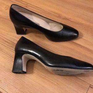 Naturalizer black heel, gently worn size 8W